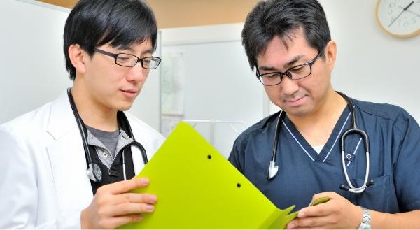 ホームアレーの訪問診療は、担当医制