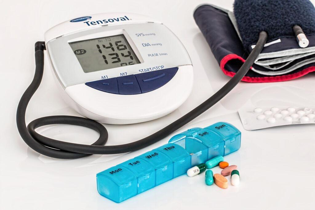 高齢者と高血圧 在宅で気を付けたいポイント